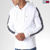 /achat-sweats-zippes-capuche/tommy-hilfiger-jeans-sweat-zippe-capuche-a-bandes-ls-hwk-0708-blanc-184774.html