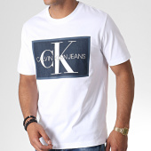 /achat-t-shirts/calvin-klein-jeans-tee-shirt-monogram-icon-box-2477-blanc-184894.html