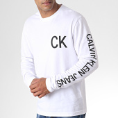/achat-t-shirts-manches-longues/calvin-klein-jeans-tee-shirt-manches-longues-on-the-back-2487-blanc-184896.html