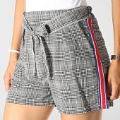/achat-shorts-chinos/girls-only-short-femme-a-carreaux-et-bandes-6312-noir-blanc-vert-bleu-rouge-184888.html