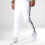 /achat-pantalons-joggings/versace-jeans-pantalon-jogging-a-bandes-uup314-tape-logo-a2gua1fd-blanc-noir-184863.html