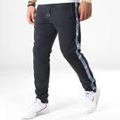 /achat-pantalons-joggings/versace-jeans-pantalon-jogging-a-bandes-uup314-tape-logo-a2gua1fd-noir-bleu-clair-184868.html
