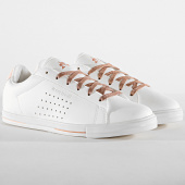 /achat-baskets-basses/le-coq-sportif-baskets-femme-agate-boutique-premium-1920237-optical-white-cloud-pink-185285.html
