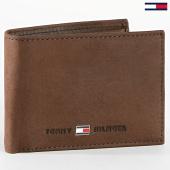 /achat-portefeuilles/tommy-hilfiger-portefeuille-johnson-0662-marron-185381.html