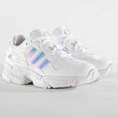 /achat-baskets-basses/adidas-baskets-yung-96-ee6737-footwear-white-core-black-185839.html