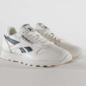/achat-baskets-basses/reebok-baskets-classic-leather-mu-dv9695-chalk-paper-white-collegiate-navy-185968.html