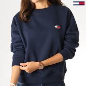 https://www.laboutiqueofficielle.com/achat-sweats-col-rond-crewneck/tommy-jeans-sweat-crewneck-femme-badge-6814-bleu-marine-186119.html