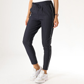 /achat-pantalons-carreaux/only-pantalon-femme-a-rayures-et-bandes-poptrash-bleu-marine-186393.html