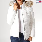 https://www.laboutiqueofficielle.com/achat-doudounes/tommy-jeans-doudoune-femme-fourrure-essential-hooded-down-6774-blanc-186545.html