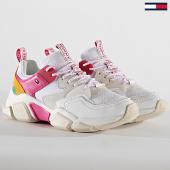 /achat-baskets-basses/tommy-hilfiger-baskets-pop-color-chunky-sneaker-4524-0k5-pop-color-white-186550.html