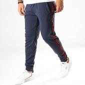 /achat-pantalons-joggings/hugo-by-hugo-boss-pantalon-jogging-a-bandes-reverse-logo-daschkent-50414429-bleu-marine-rouge-187302.html