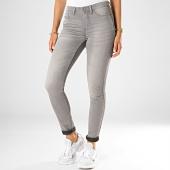 https://www.laboutiqueofficielle.com/achat-jeans/only-jean-skinny-femme-jake-gris-187764.html
