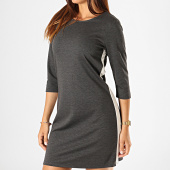 /achat-robes/only-robe-femme-a-bandes-brilliant-34-gris-anthracite-chine-blanc-187775.html