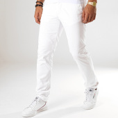 /achat-chinos/celio-pantalon-chino-pobelt-blanc-188070.html