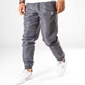 /achat-pantalons-joggings/umbro-pantalon-jogging-training-woven-475770-60-gris-blanc-188107.html