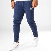 /achat-pantalons-joggings/umbro-pantalon-jogging-print-core-647780-60-bleu-marine-blanc-188134.html