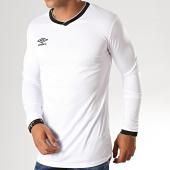 /achat-t-shirts-manches-longues/umbro-tee-shirt-de-sport-manches-longues-cup-jersey-570260-60-blanc-noir-188139.html