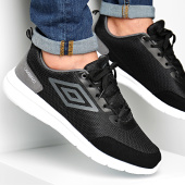 /achat-baskets-basses/umbro-baskets-habar-724960-61-noir-gris-188259.html