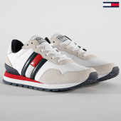 /achat-baskets-basses/tommy-hilfiger-jeans-baskets-lifestyle-sneaker-em0em00338-white-188423.html