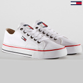 /achat-baskets-basses/tommy-hilfiger-jeans-baskets-femme-low-cut-tj-sneaker-en0en00681-white-188436.html