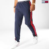 /achat-pantalons-joggings/tommy-hilfiger-jeans-pantalon-jogging-a-bandes-jersey-panel-1586-bleu-marine-rouge-188671.html