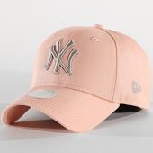 e368f02e51d99 New Era - Casquette Femme 9Forty League Essential 12040435 New York Yankees  Rose Saumon