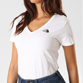 /achat-t-shirts/the-north-face-tee-shirt-slim-femme-col-v-simple-dome-a3h6-blanc-189552.html