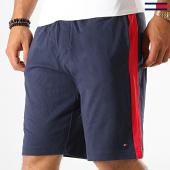 /achat-shorts-jogging/tommy-hilfiger-jeans-short-jogging-a-bandes-jersey-panel-short-1593-bleu-marine-rouge-189488.html
