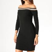 /achat-robes/guess-robe-pull-femme-col-bateau-w94k0i-k9760-noir-blanc-189848.html