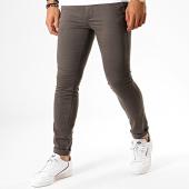 /achat-chinos/jack-and-jones-pantalon-chino-liam-leroy-gris-anthracite-189827.html