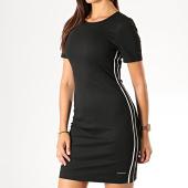 /achat-robes/calvin-klein-robe-femme-a-bandes-shift-2131-noir-blanc-190032.html