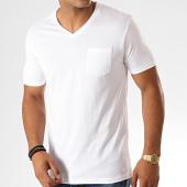 /achat-t-shirts-poche/celio-tee-shirt-col-v-poche-pebasic-blanc-189984.html