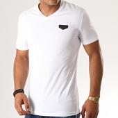 /achat-t-shirts/antony-morato-tee-shirt-col-v-logo-basic-blanc-190458.html