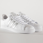 /achat-baskets-basses/adidas-baskets-coast-star-ee6521-footwear-white-silver-metallic-core-black-191057.html