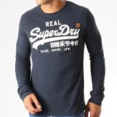 /achat-t-shirts-manches-longues/superdry-tee-shirt-manches-longues-vintage-logo-1st-duo-m6000019a-bleu-marine-blanc-191453.html