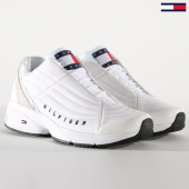 /achat-baskets-basses/tommy-hilfiger-jeans-baskets-heritage-sneakers-0318-white-191804.html