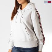 /achat-sweats-capuche/tommy-jeans-sweat-capuche-femme-a-bandes-tonal-7345-gris-clair-chine-192513.html