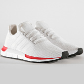 /achat-baskets-basses/adidas-baskets-swift-run-ee4443-crystal-white-cloud-white-192789.html
