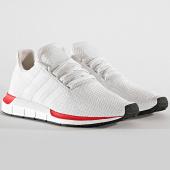 /achat-baskets-basses/adidas-baskets-swift-run-ee4443-crystal-white-cloud-white-192789.html