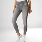 /achat-jeans/only-jean-skinny-femme-blush-gris-192929.html