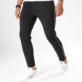 /achat-pantalons-joggings/uniplay-pantalon-jogging-a-bandes-t3396-noir-193181.html