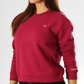 https://www.laboutiqueofficielle.com/achat-sweats-col-rond-crewneck/calvin-klein-sweat-crewneck-crop-femme-2500-bordeaux-193249.html