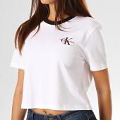 /achat-t-shirts/calvin-klein-jeans-tee-shirt-crop-femme-2701-blanc-193263.html