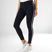 https://www.laboutiqueofficielle.com/achat-jeans/only-jean-slim-femme-a-bandes-rain-bleu-brut-193433.html