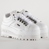 /achat-baskets-basses/fila-baskets-femme-trailblazer-wedge-5hm00524-white-fila-navy-fila-red-194548.html