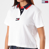 /achat-polos-manches-courtes/tommy-hilfiger-jeans-polo-crop-manches-courtes-femme-tommy-badge-7231-blanc-194418.html