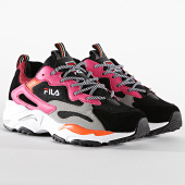 https://www.laboutiqueofficielle.com/achat-baskets-basses/fila-baskets-femme-ray-tracer-1010686-black-pink-yarrow-196070.html