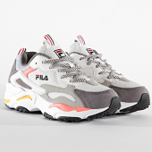 /achat-baskets-basses/fila-baskets-femme-ray-tracer-1010686-marshmallow-sugar-coal-196071.html