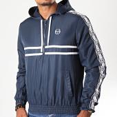 /achat-vestes/sergio-tacchini-veste-col-zippe-capuche-a-bandes-dangel-38700-bleu-marine-blanc-196017.html