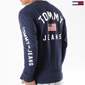 /achat-t-shirts-manches-longues/tommy-hilfiger-jeans-tee-shirt-manches-longues-us-flag-7066-bleu-marine-196640.html